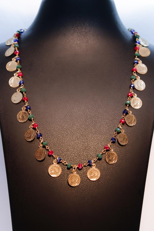 Collana in argento dorato con monete e tormaline
