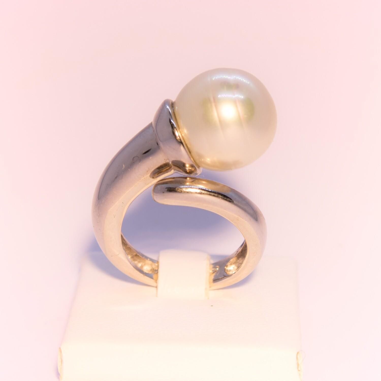 Anello grande in argento con perla naturale bianca