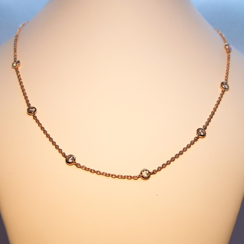 Collana girocollo in argento rosè con zirconi