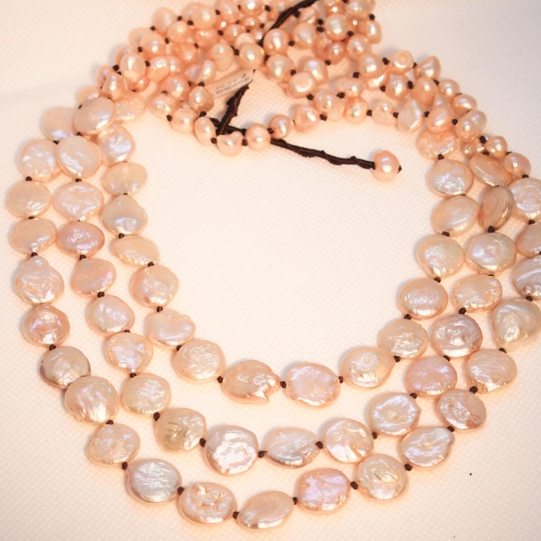 Collana a tre fili con perle di fiume rosa
