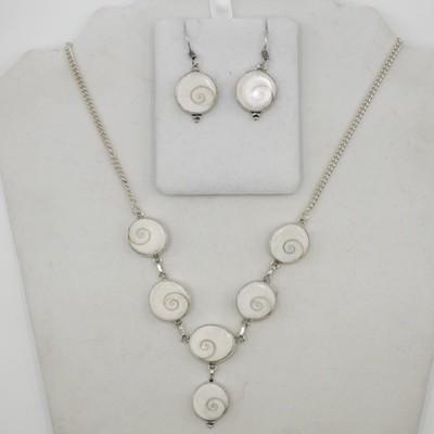 Shell Bracelet & Earring Set