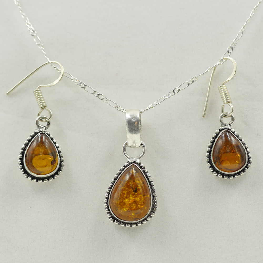 Amber Necklace & Earrings Set
