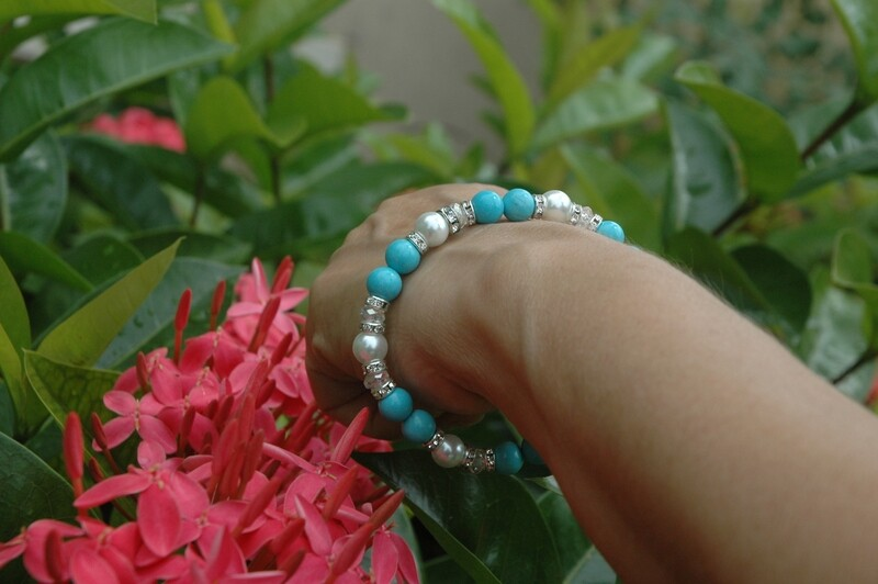 Natural Turquoise with Glass Pearls Bracelet