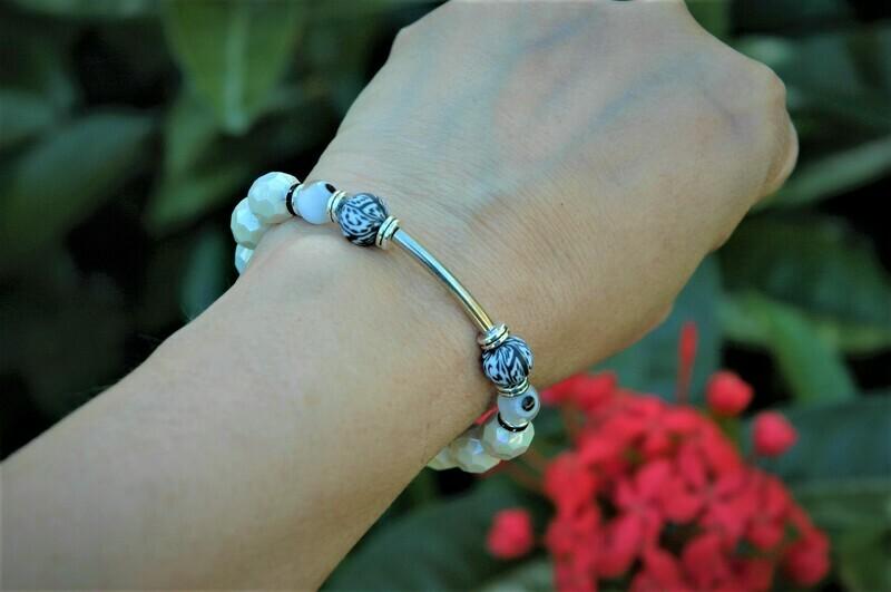 Lala  Stretch Bracelet