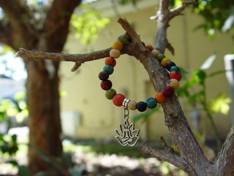 Açaí Lotus Pendant Bracelet
