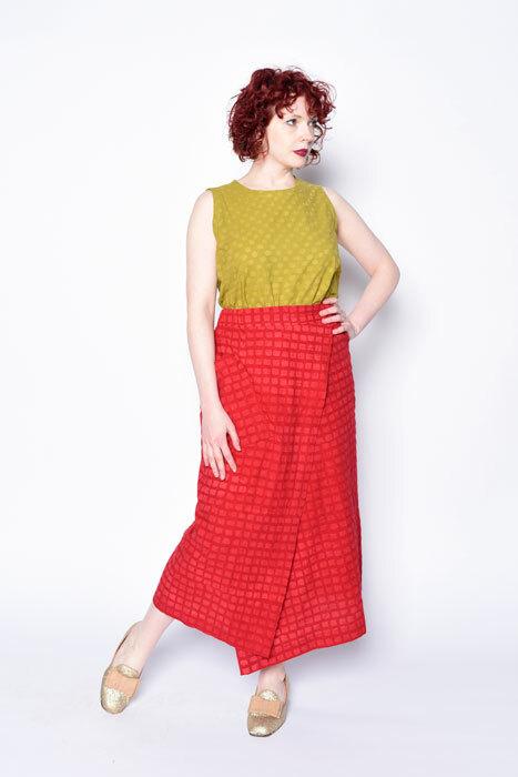 Six Sense Skirt worn with a MixIt Tank
