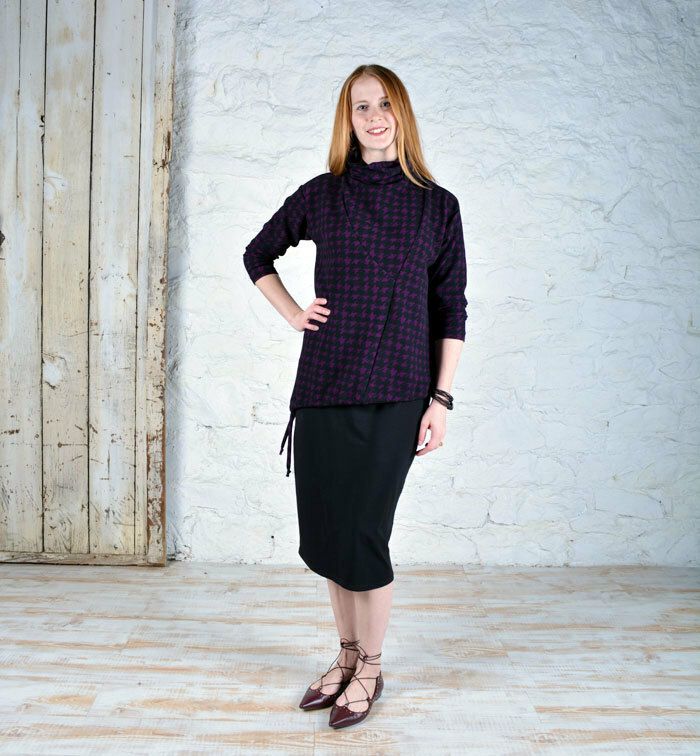 Barcelona Top in Pique Knit Print