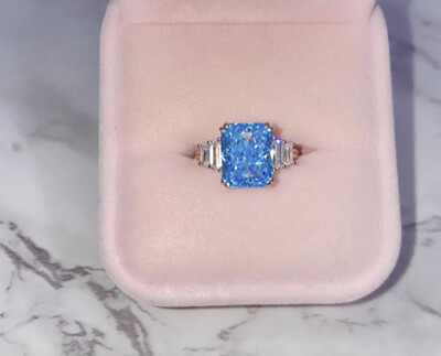LUXE RADIANT CUT RING IN BLUE