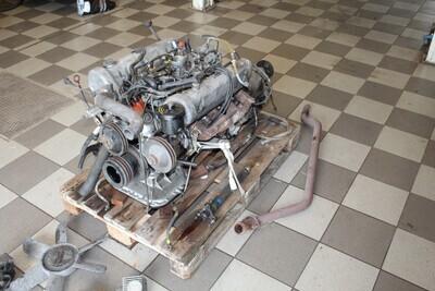 W 111 Flachkuhler Coupe / Cabriolet motor