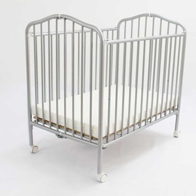 L.A. Baby Crib with Linens