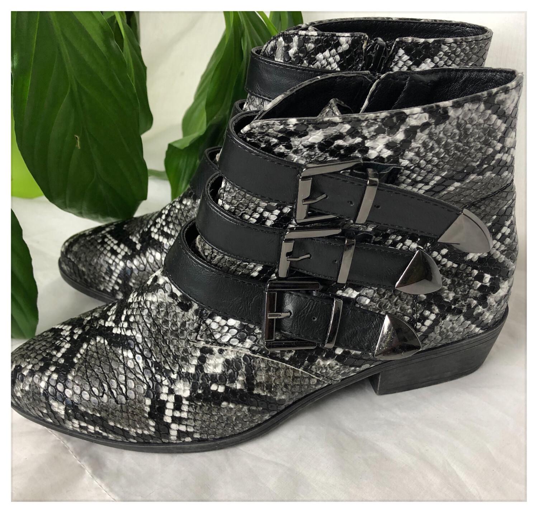 Snakeskin Print Chelsea Boots Size 37 /4