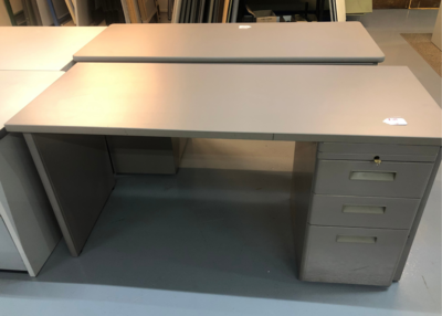Standard Desk with Drawers