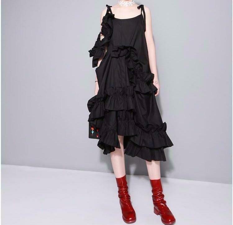 vestido negro asimetrico