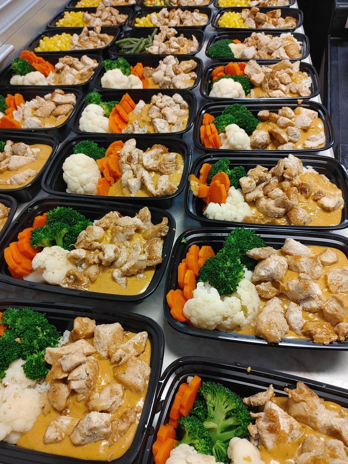 Creamy Butter Chicken (MILD) with Vegetables & Rice