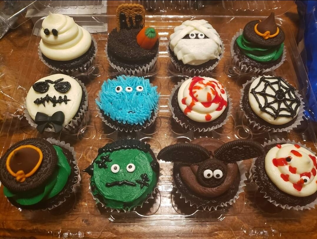 Kids Halloween Cupcake Decorating Class Friday October 29th from 6pm to 8pm