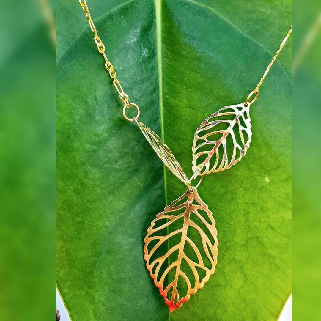 3 Leaves Necklace