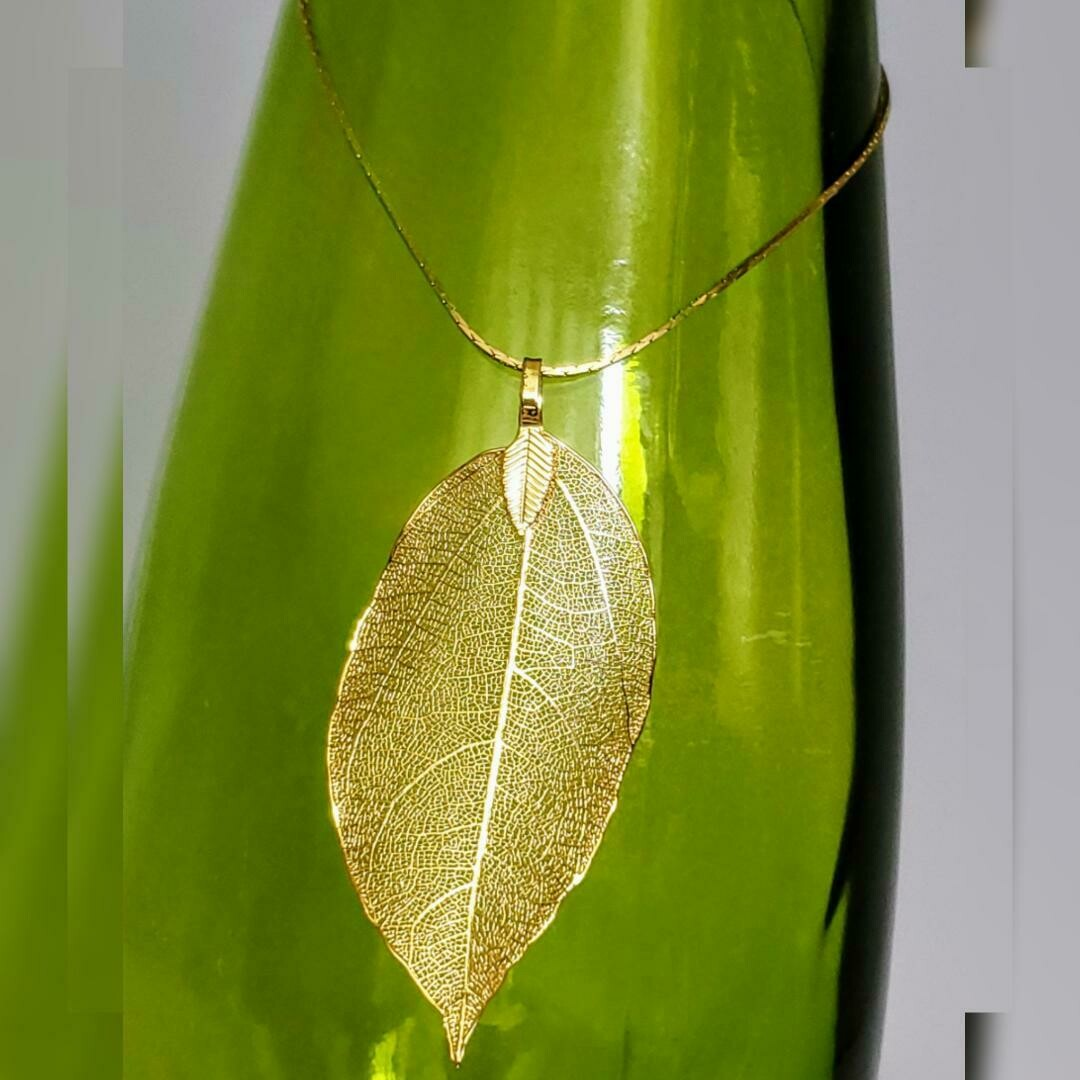 One Leaf Necklace