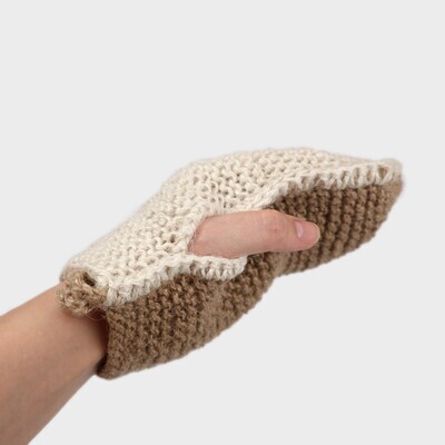 Мочалка-рукавичка из мягкого и грубого джута