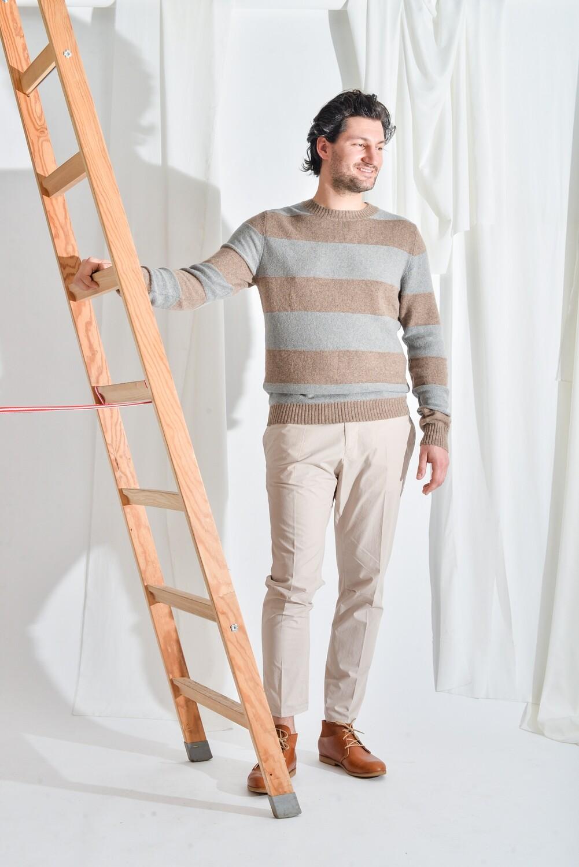 Streifenpullover grau beige