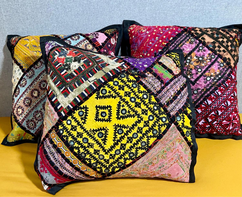 TUKRA Cushion Cover Set
