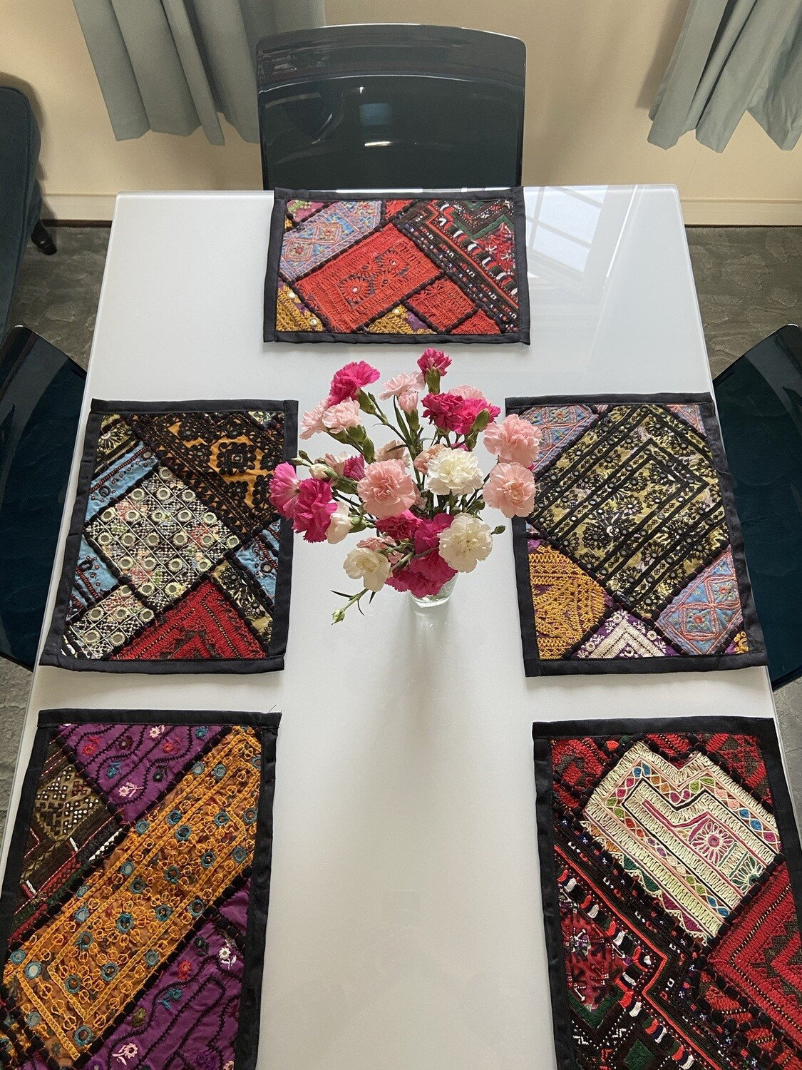TUKRA Mirrored Table Placemats