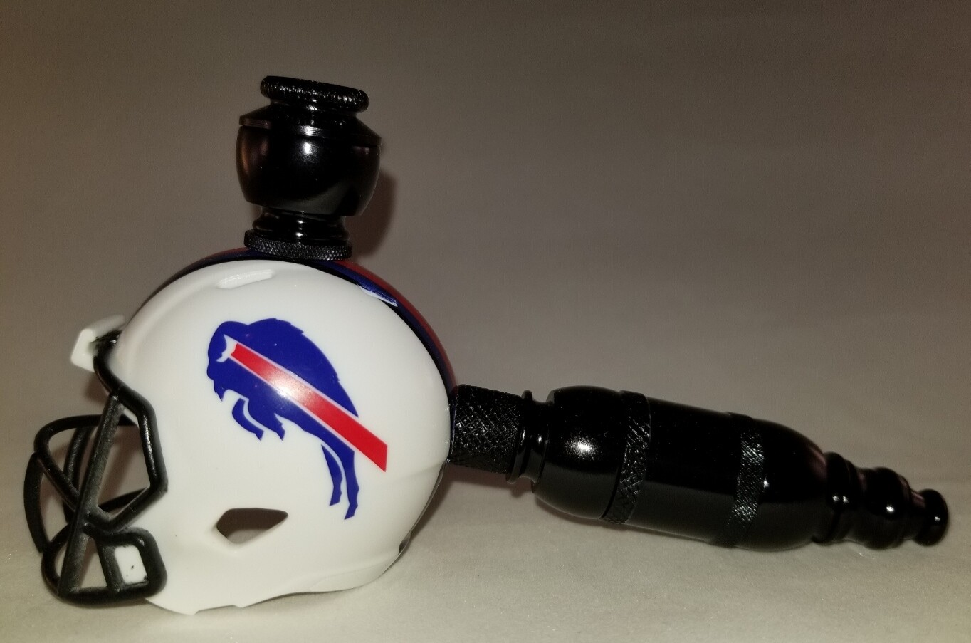 "BUFFALO BILLS ""BAD ASS"" FOOTBALL HELMET SMOKING PIPE Straight/Black Anodized"