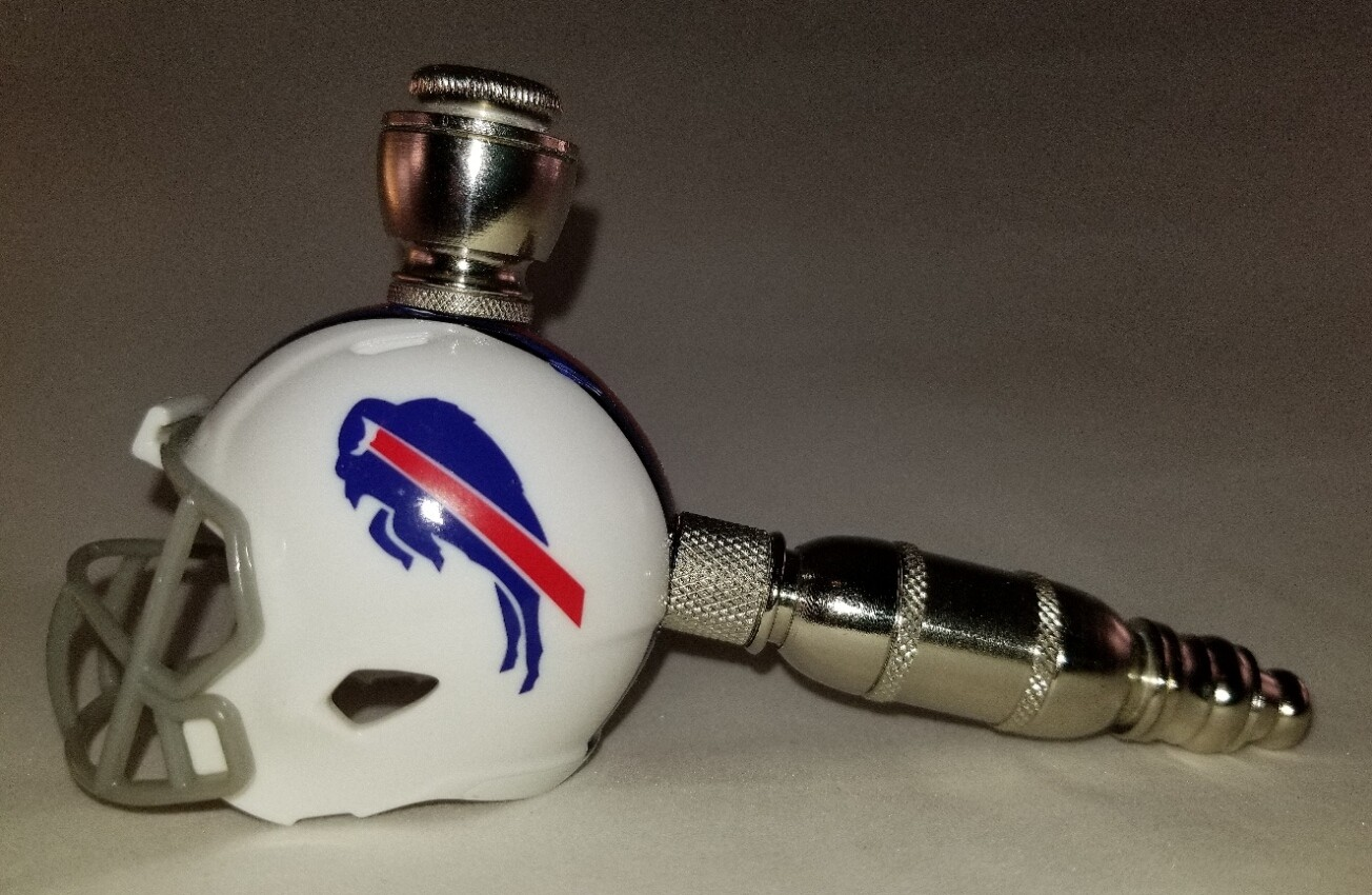 BUFFALO BILLS NFL FOOTBALL HELMET SMOKING PIPE Straight/Nickel