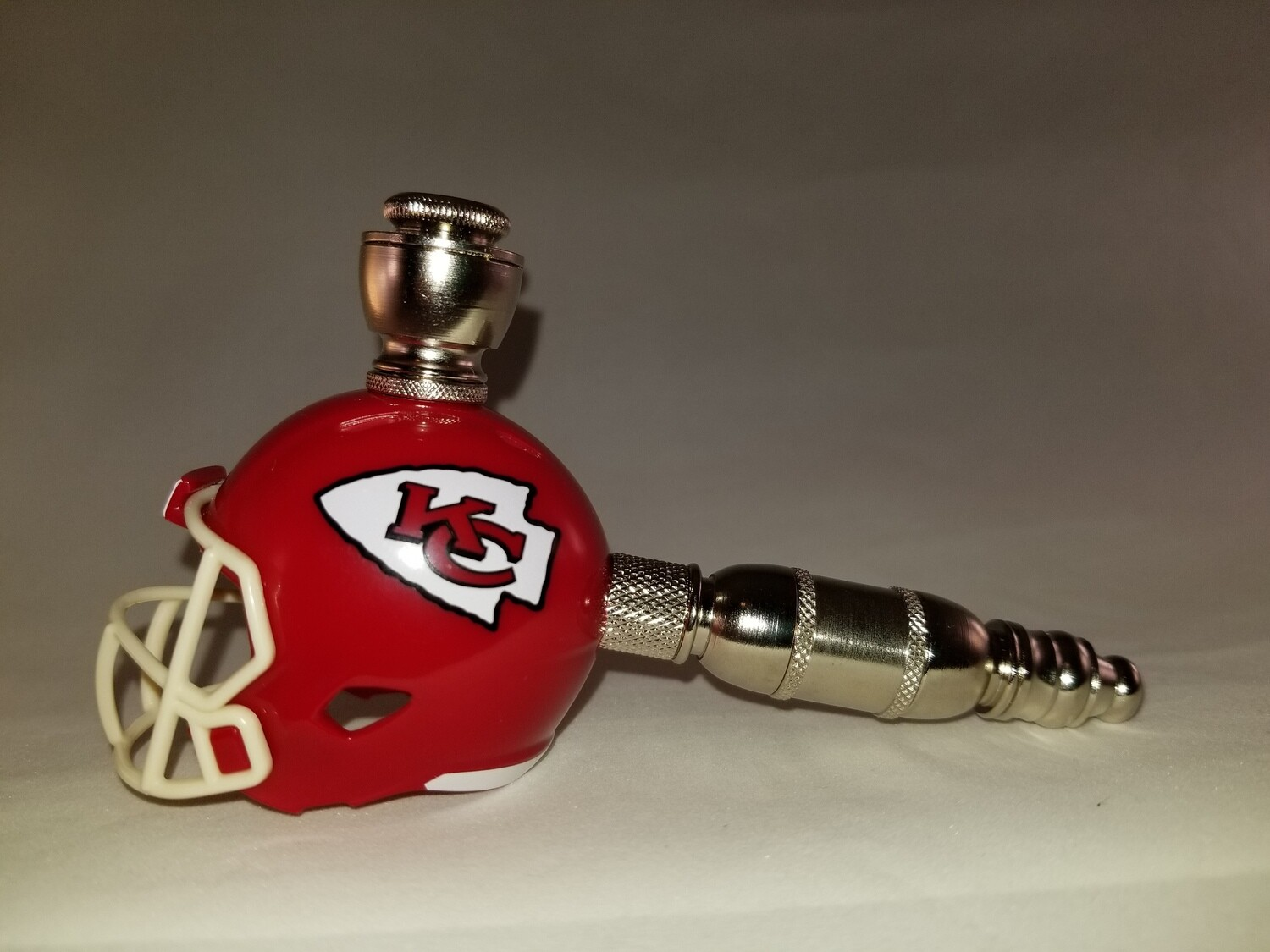 KANSAS CITY CHIEFS NFL FOOTBALL HELMET UPRIGHT SMOKING PIPE Straight/Nickel