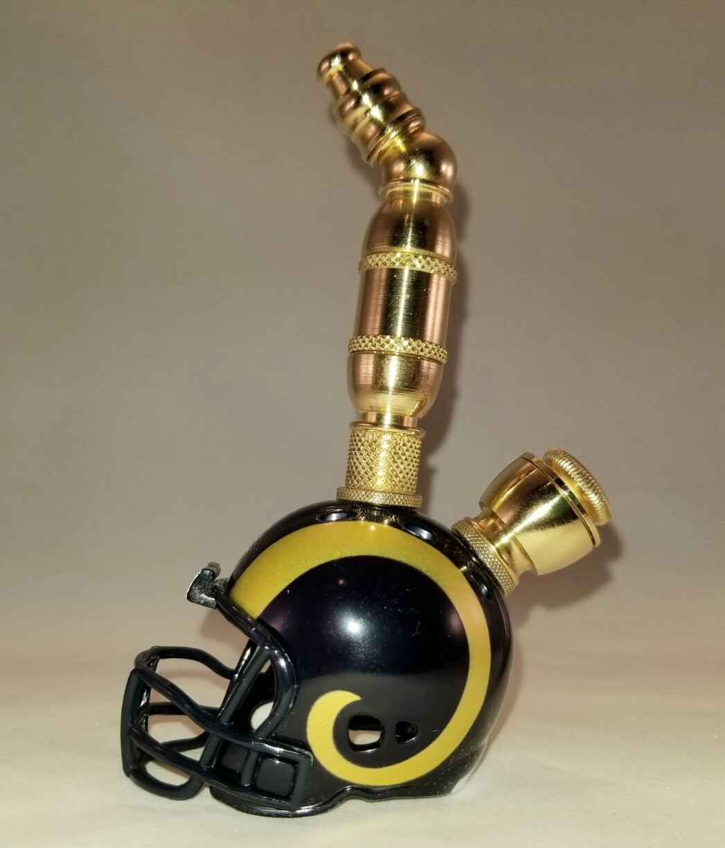 ST. LOUIS RAMS NFL  FOOTBALL HELMET SMOKING PIPE Upright/Brass