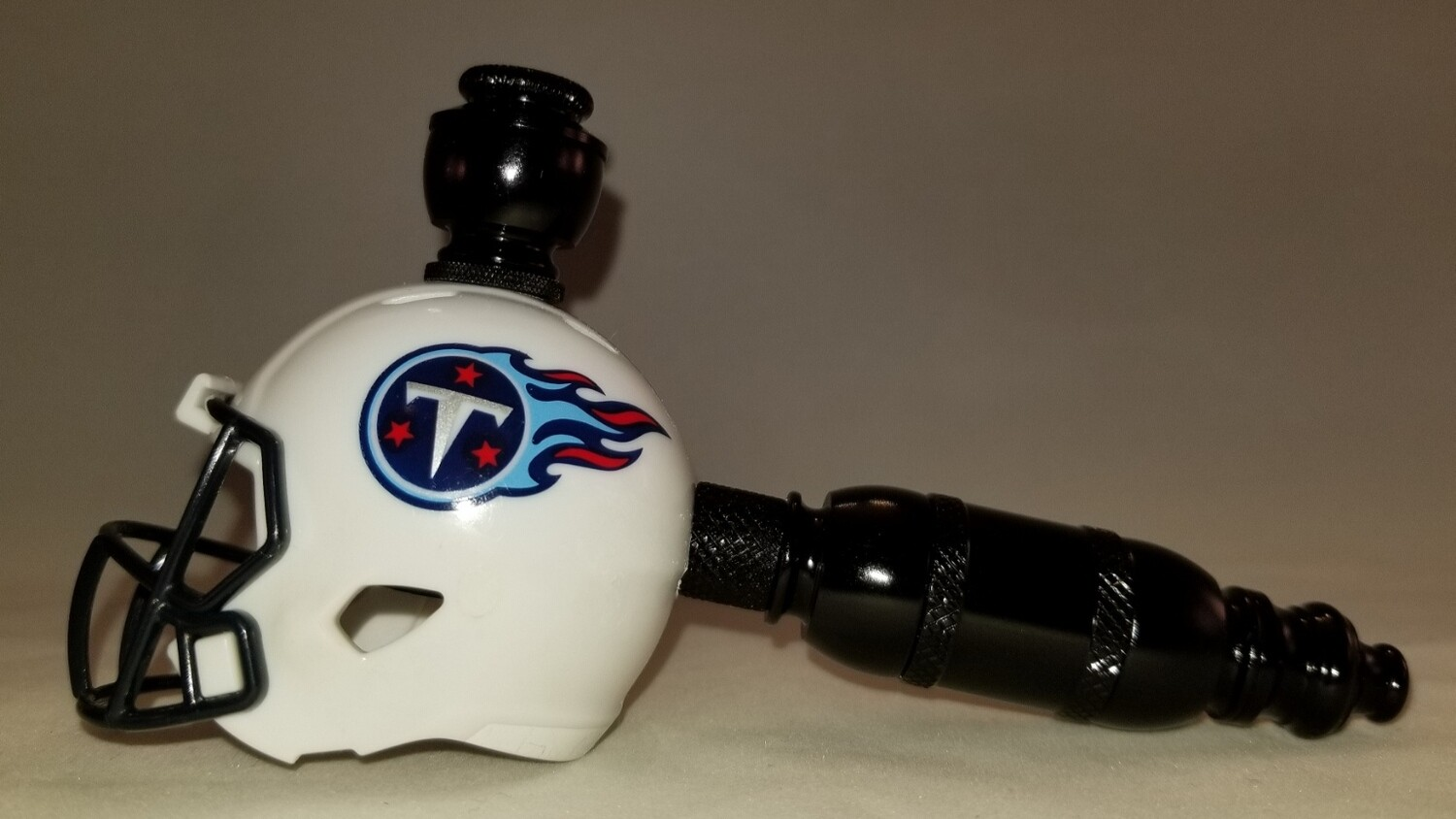 """TENNESSEE TITANS """"BAD ASS""""  NFL FOOTBALL HELMET SMOKING PIPE Straight/Black Anodized/White"""