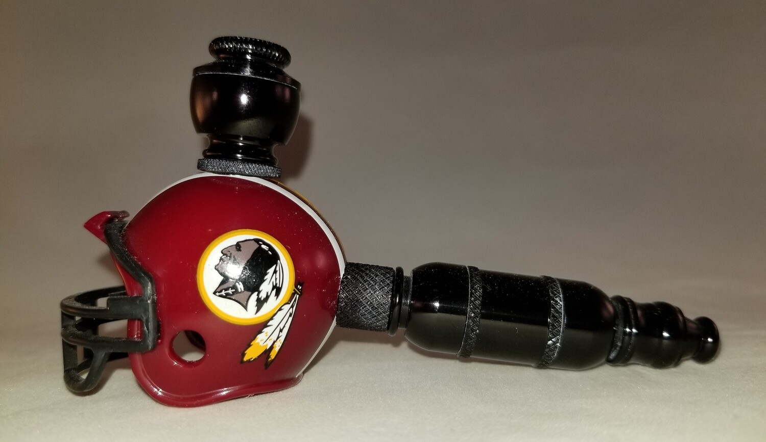 "WASHINGTON REDSKINS ""BAD ASS"" NFL FOOTBALL HELMET SMOKING PIPE Small Straight/Black Anodized"