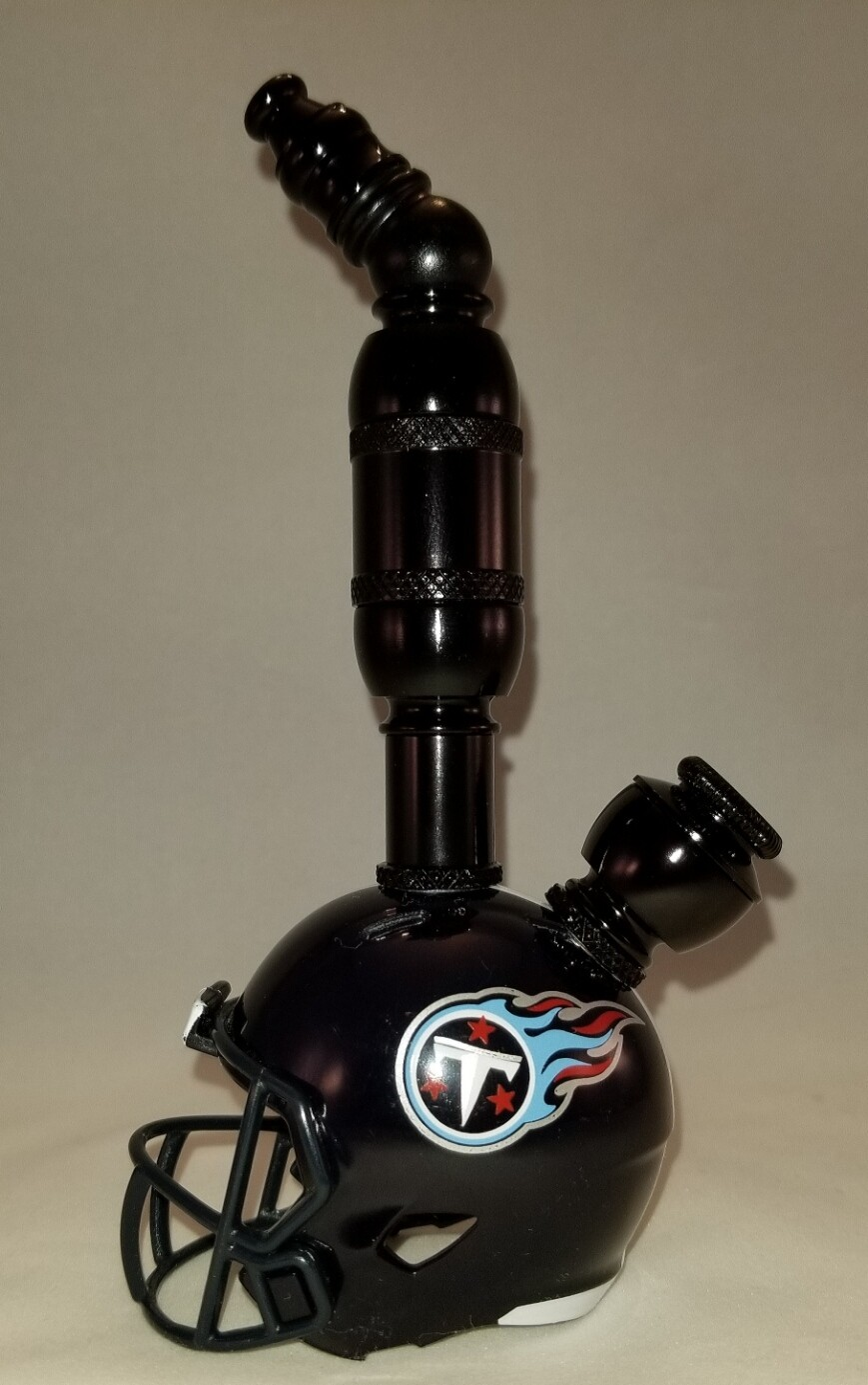 """TENNESSEE TITANS """"BAD ASS""""  NFL FOOTBALL HELMET SMOKING PIPE Upright/Black Anodized/Navy"""