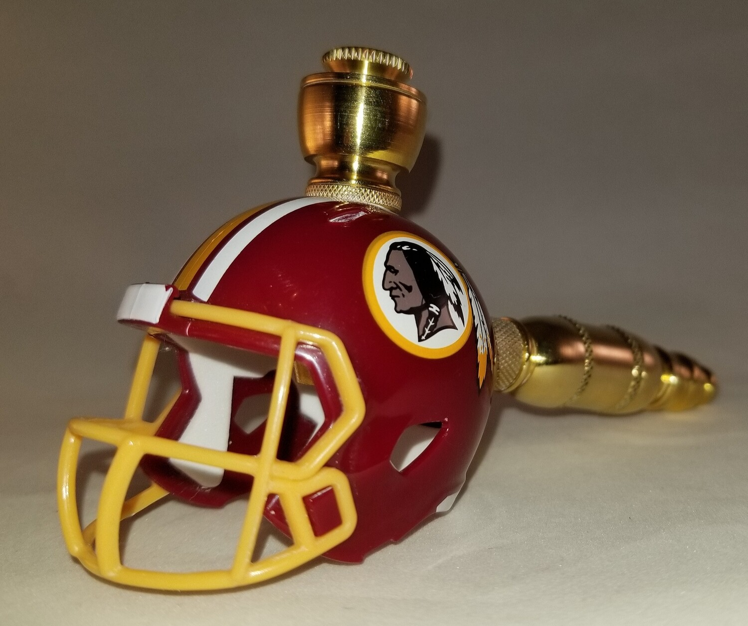 WASHINGTON REDSKINS NFL FOOTBALL HELMET SMOKING PIPE Straight/Brass