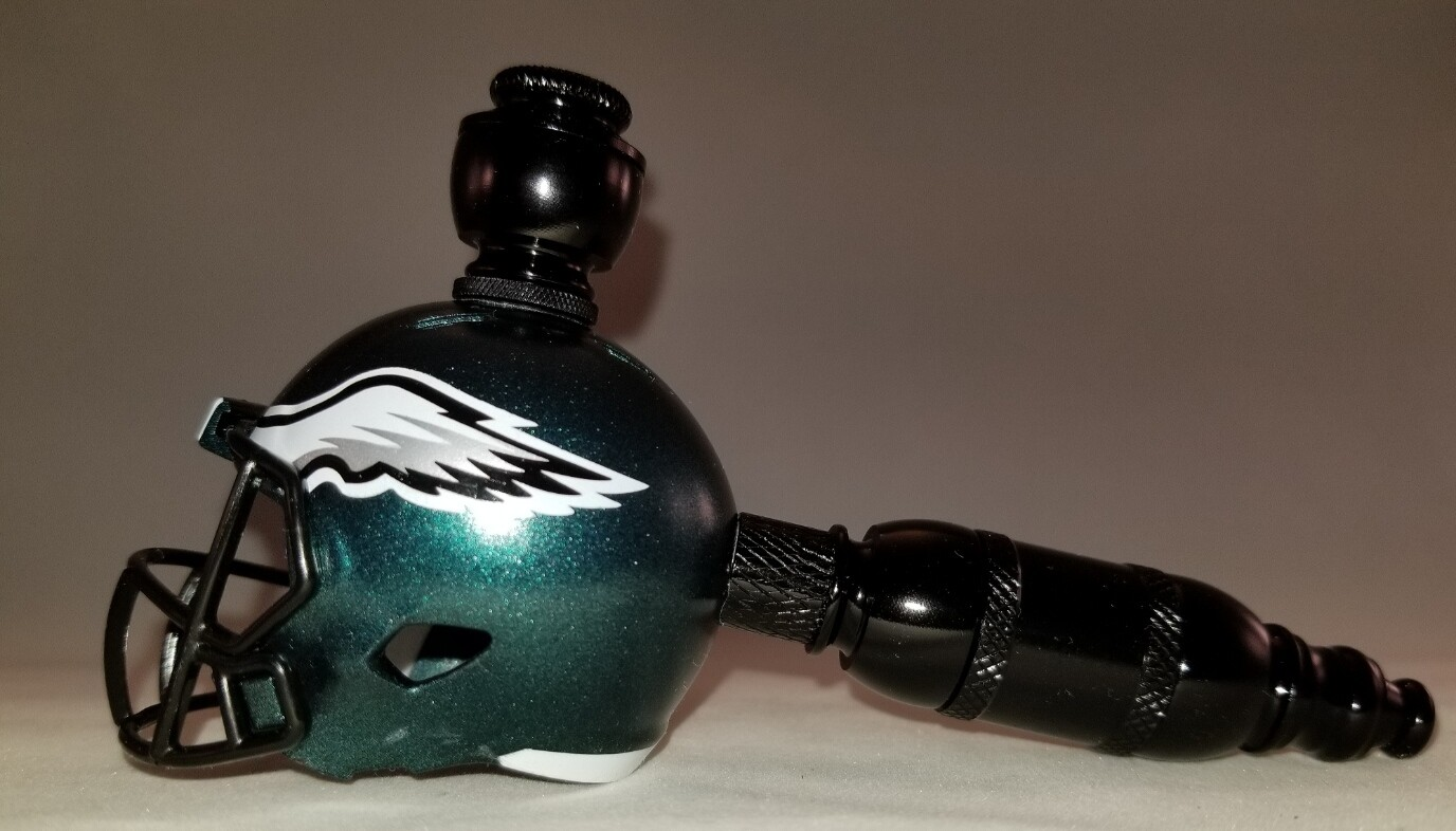 "PHILADELPHIA EAGLES ""BAD ASS"" NFL FOOTBALL HELMET SMOKING PIPE Straight/Black Anodized"
