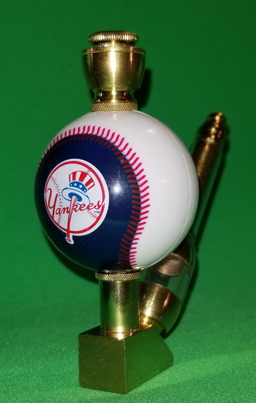NEW YORK YANKEE'S BASEBALL PIPE Wedge/Brass