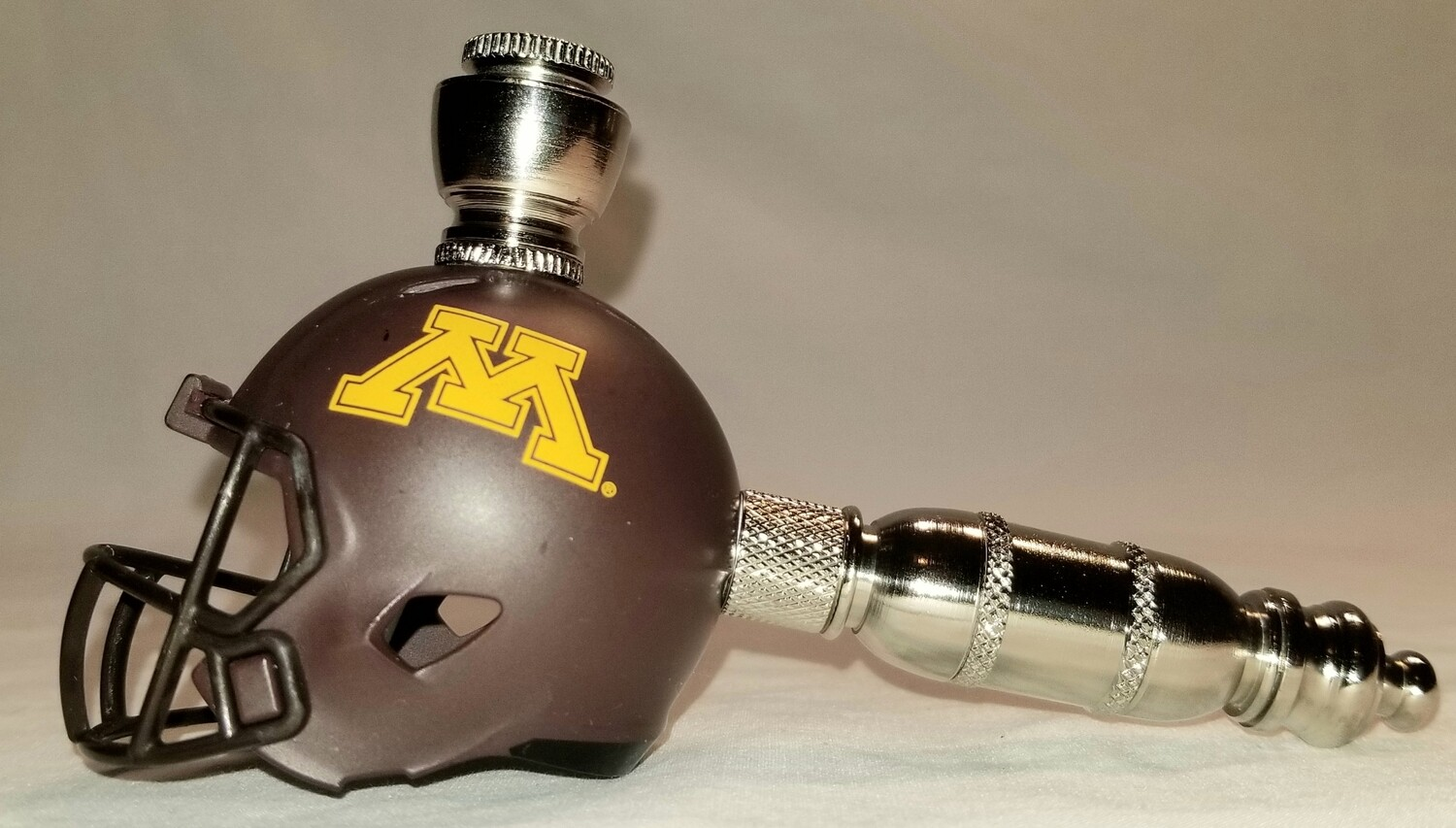 MINNESOTA GOLDEN GOPHERS FOOTBALL HELMET SMOKING PIPE Straight/Nickel