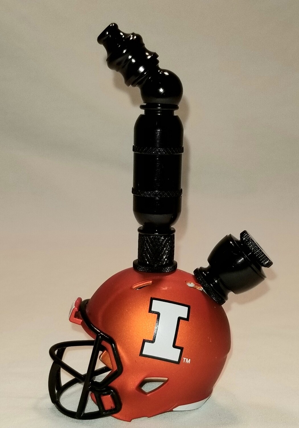 "ILLINOIS FIGHTING ILLINI ""BAD ASS"" FOOTBALL HELMET SMOKING PIPE Upright/Black Anodized/Orange"