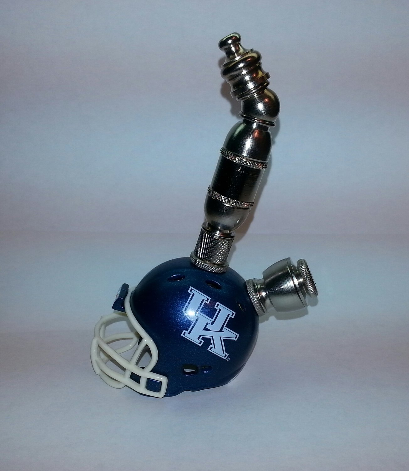 Kentucky WildCats  Helmet Pipe  Upright  Design  Nickel Finish