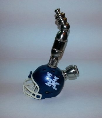 Kentucky WildCats  Helmet Pipe  Upright  Design  Nickel Finish