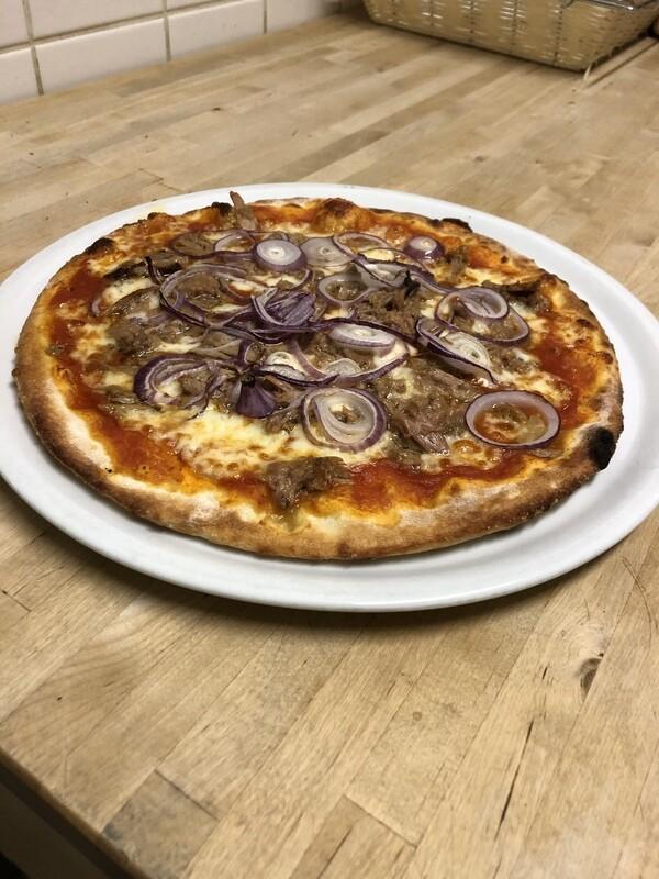Pizza Tonno e cipolla rossa