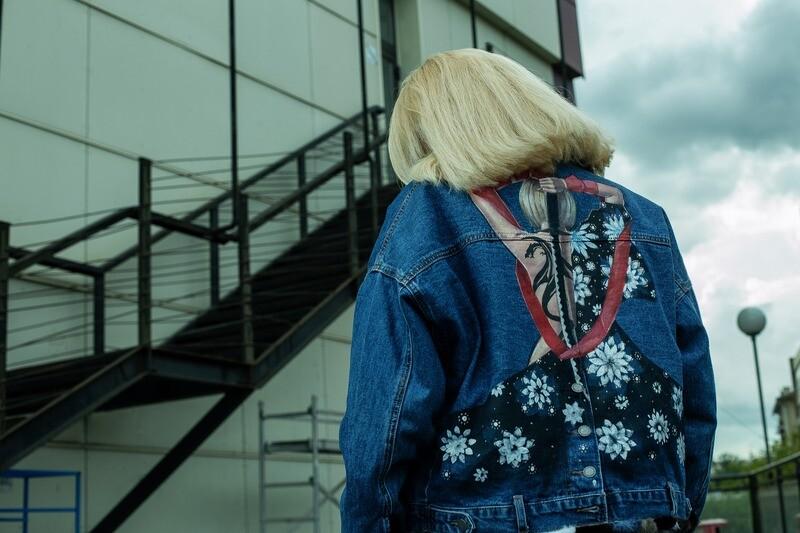 Джинсовая куртка с росписью «Тату Дракона» на норковой подстежке