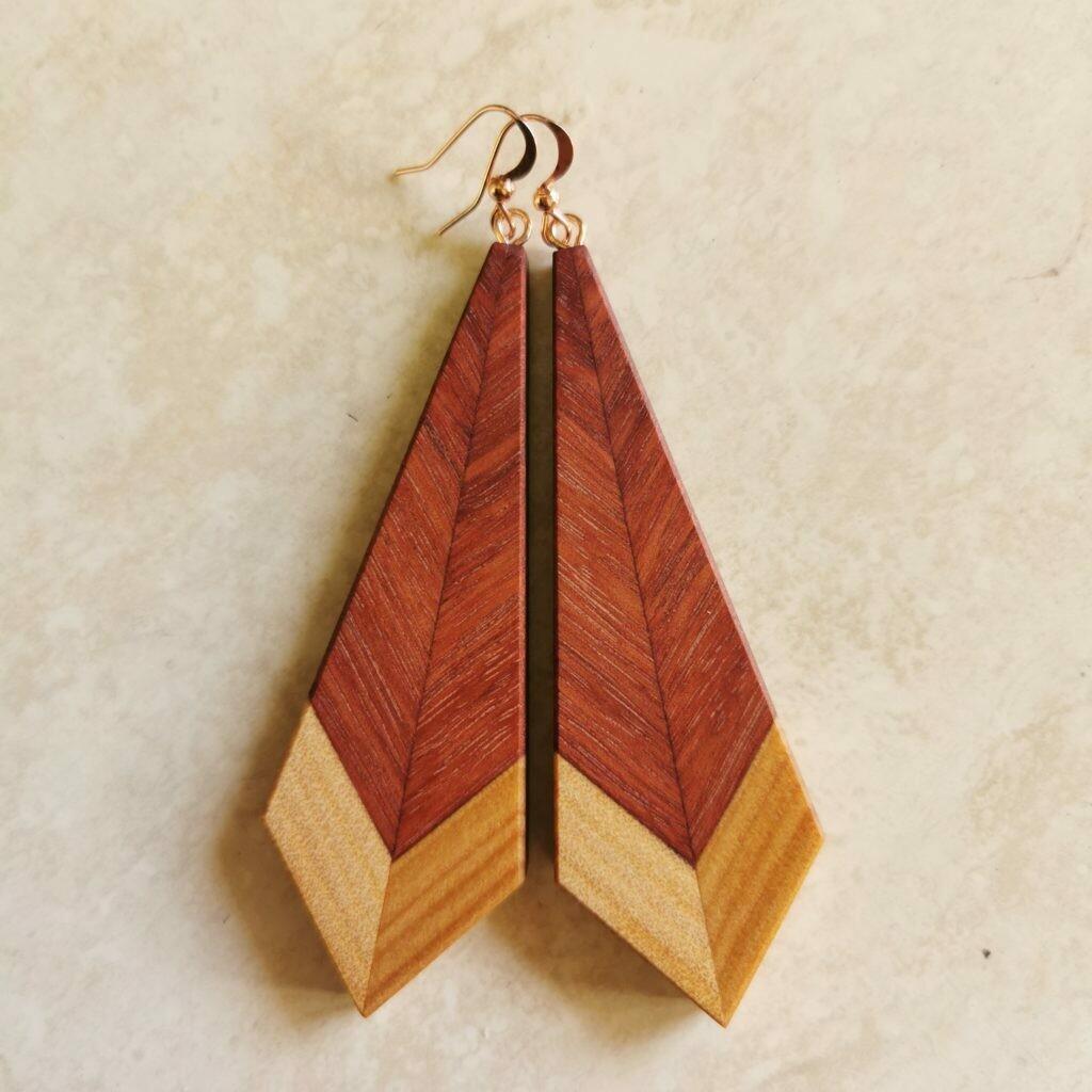 PIUMA CLASSICA LUNGA - Jarrah & Kauri Wooden Earrings