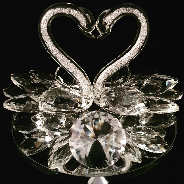 Swan Couple on Mirror Base* -Cut Glass Crystal-
