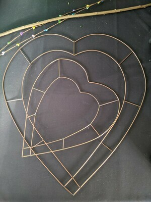 Wire heart frame wreath bases, pack of 5, 3 sizes