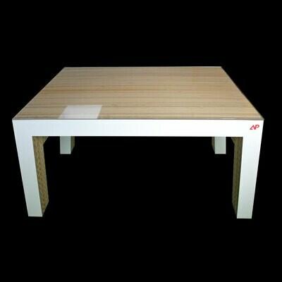 Wellpappe-Tisch