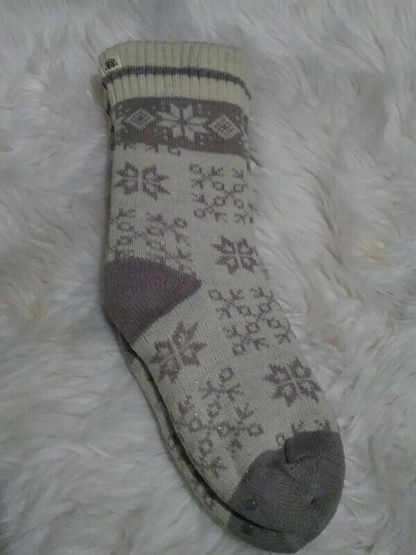 Bee & Willow Slipper Socks (grey and white)