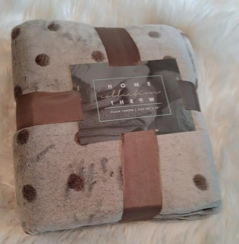 Grey Polka Dot Plush Blanket