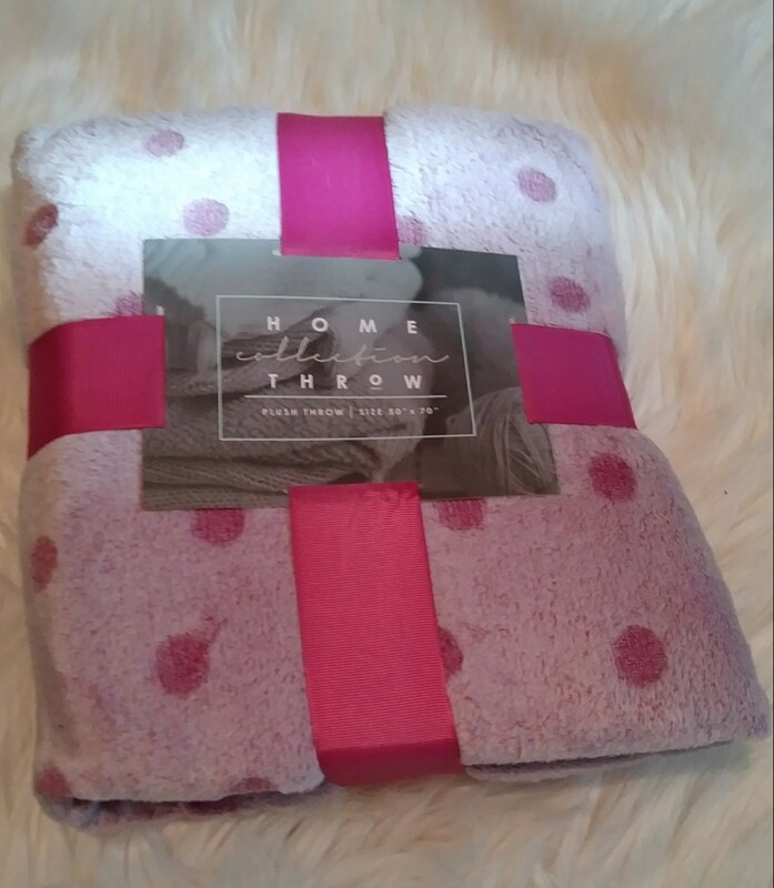 Pink Polka Dot Plush Blanket