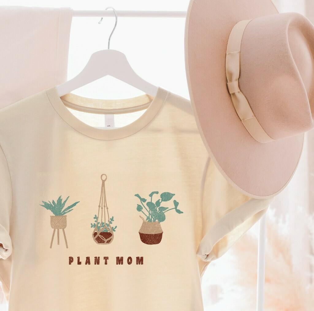 Plant Mom Tee
