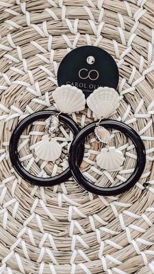 Fan Scallop Black Earrings